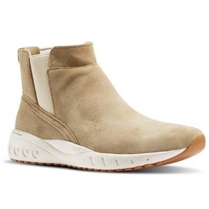 NWT! Reebok ERS Deluxe Suede Shoes